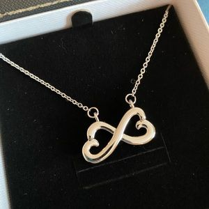 Infinity Heart Necklace NWB
